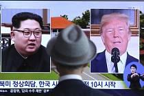 Kim Čong-un (vlevo) a Donald Trump.
