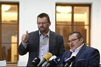 Nezařazení poslanci Lubomír Volný (vlevo) a Marian Bojko.
