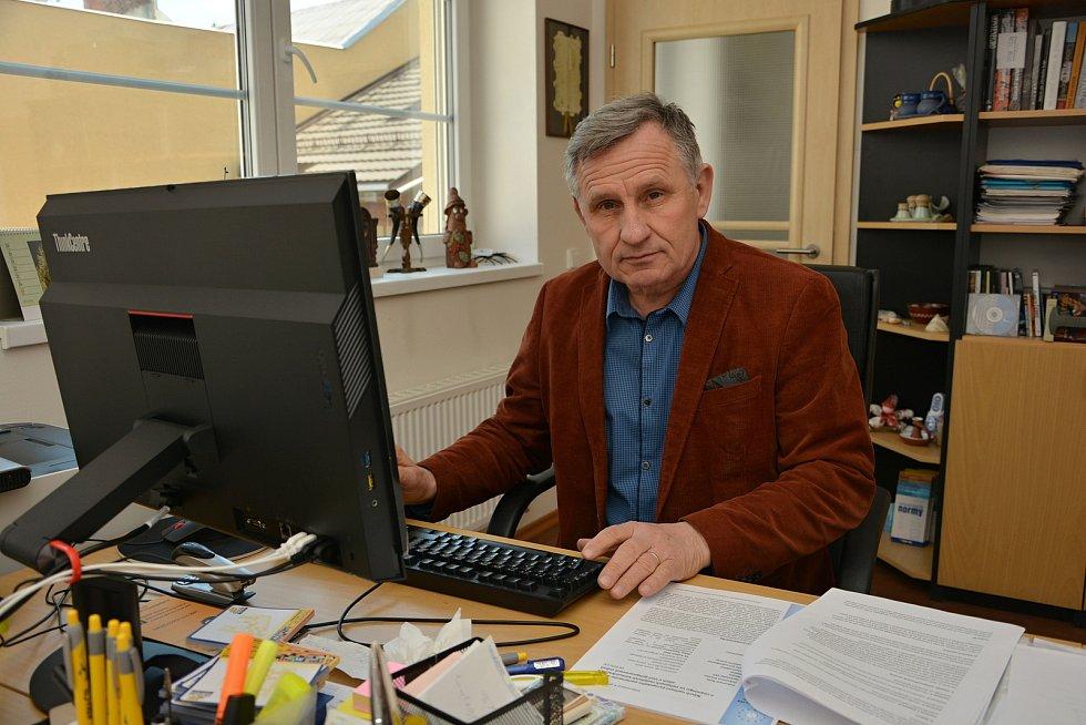 Na podzim 2021 uplyne patnáct let od vystěhování Romů z centra Vsetína. Tehdejší starosta města Jiří Čunek koncem dubna 2021 zavzpomínal na proces příprav medializovaného kroku.