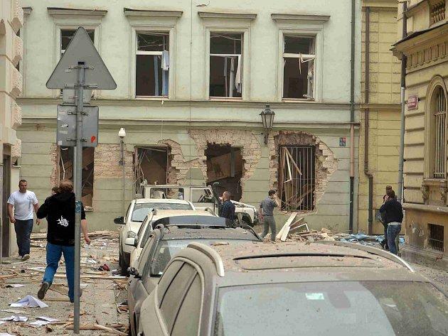 V pondělí 29. dubna došlo k silné explozi v jednom z domů v pražské Divadelní ulici