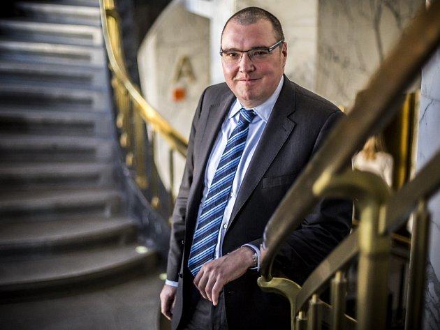 Guvernér České národní banky Miroslav Singer.