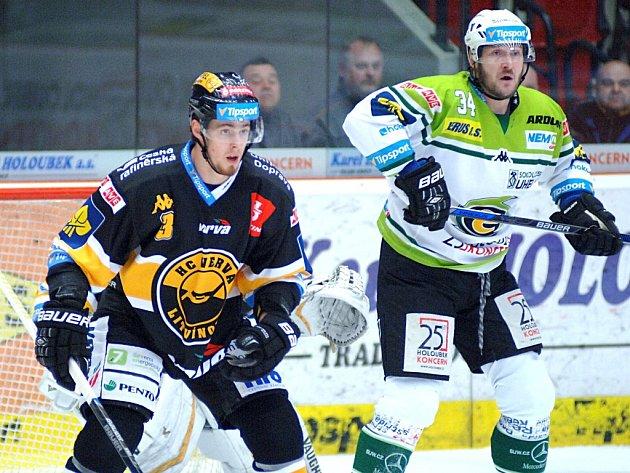 Karlovy Vary vs. Litvínov: Václav Skuhravý (vpravo) a Martin Kokeš