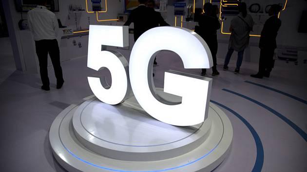 Logo mobilní sítě 5G - ilustrační foto