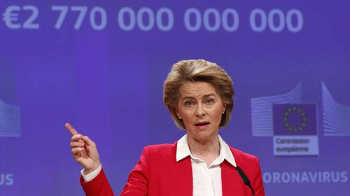 Předsedkyně Evropské komise Ursula von der Leyenová představuje 2. dubna 2020 v Bruselu nový balíček podpůrných opatření