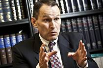 Známý americký komentátor české politické scény Erik Best.