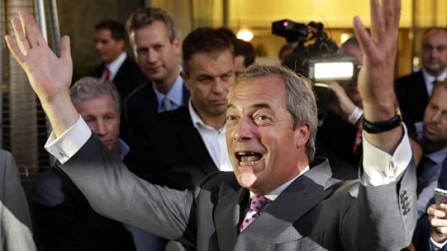Radost Nigela Farage. Stoupenci brexitu zvítězili