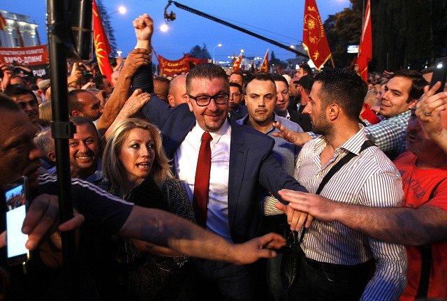 Tisíce lidí protestovaly v makedonské Skopji proti změně názvu své země