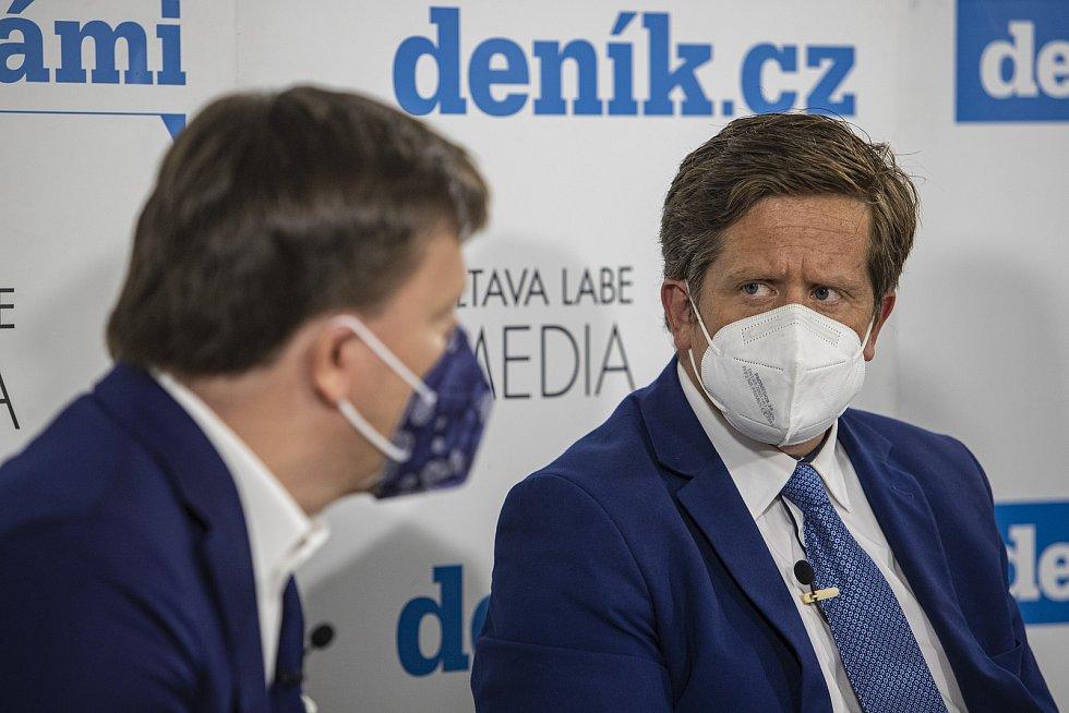 On-line debata Deníku na téma Nebezpečné silnice v Česku. Zleva Jan Matoušek, Radek Mátl
