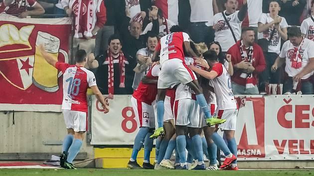 Zápas semifinále poháru MOL Cup mezi Slavia Praha a Sparta Praha hraný 24. dubna v Praze. Oslava Slavie z druhého golu