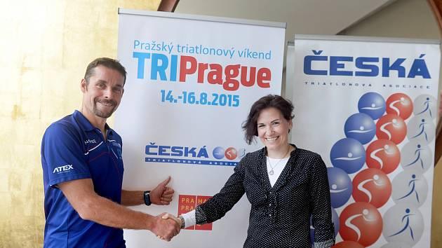 Předsedkyně ČTA Lenka Kovářová a reprezentační kouč Jan Řehula