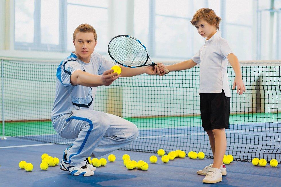 Přetěžování a jednostranné zaměření na individuální úspěch při výchově může mít negativní vliv na jejich psychiku.