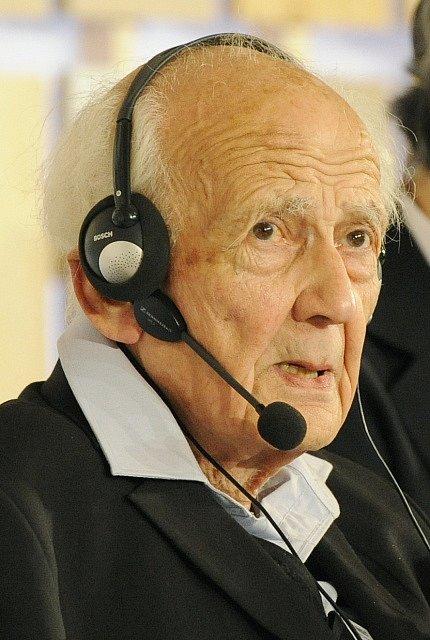 Ve věku 91 let dnes v Británii zemřel polský vědec Zygmunt Bauman, považovaný za jednoho z největších sociologů 20. století.