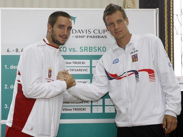 Viktor Troicki s Tomášem Berdychem (vpravo).