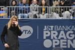 Tenisový turnaj žen JTB Prague Open, 4. května 2019 v Praze. Česká reprezentantka Lucie Šafářová se před zahájením finálového utkání rozloučila s domácím publikem