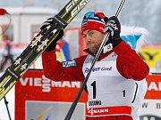 Petter Northug po triumfu ve stíhacím závodu ve finále Světového poháru.