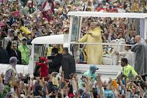Na papežovu závěrečnou mši přišlo přes 3 miliony věřících.
