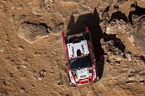 Český jezdec Martin Prokop se spolujezdcem Viktorem Chytkou s vozem Ford ve 4. etapě Rallye Dakar
