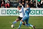 Fotbalisté Mladé Boleslavi (v modrém) proti Karviné.