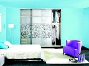 Originální černo bílé potisky vypadají elegantně na skříni z mléčného skla. Hodí se do ložnice i studentského pokoje.