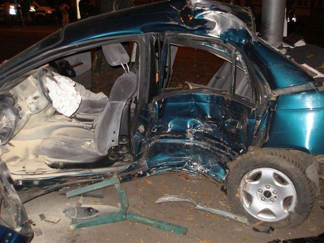 Nehoda se stala před druhou hodinou ráno