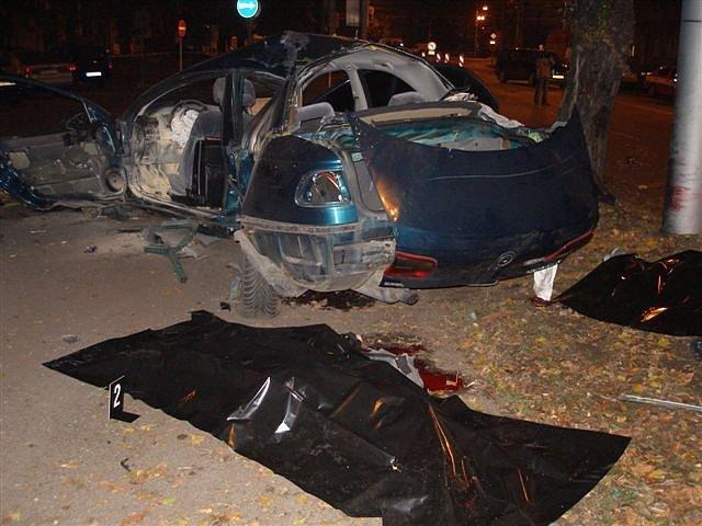 Při nehodě zemřeli čtyři lidi