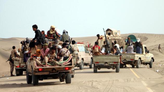 Vojenský konvoj směřující do přístavu Hudajdá