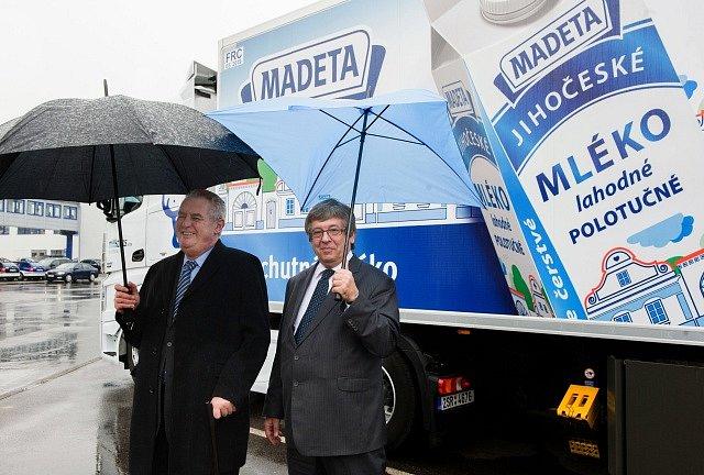 Madeta, prezident Zeman a ředitel podniku Milan Teplý