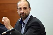 U Okresního soudu v Liberci začal 22. října proces s bývalým vedoucím obvodního oddělení policie v Liberci Markem Ducháčkem (na snímku), který je obžalovaný ze zneužití pravomoci úřední osoby a neoprávněného přístupu k počítačovému systému.