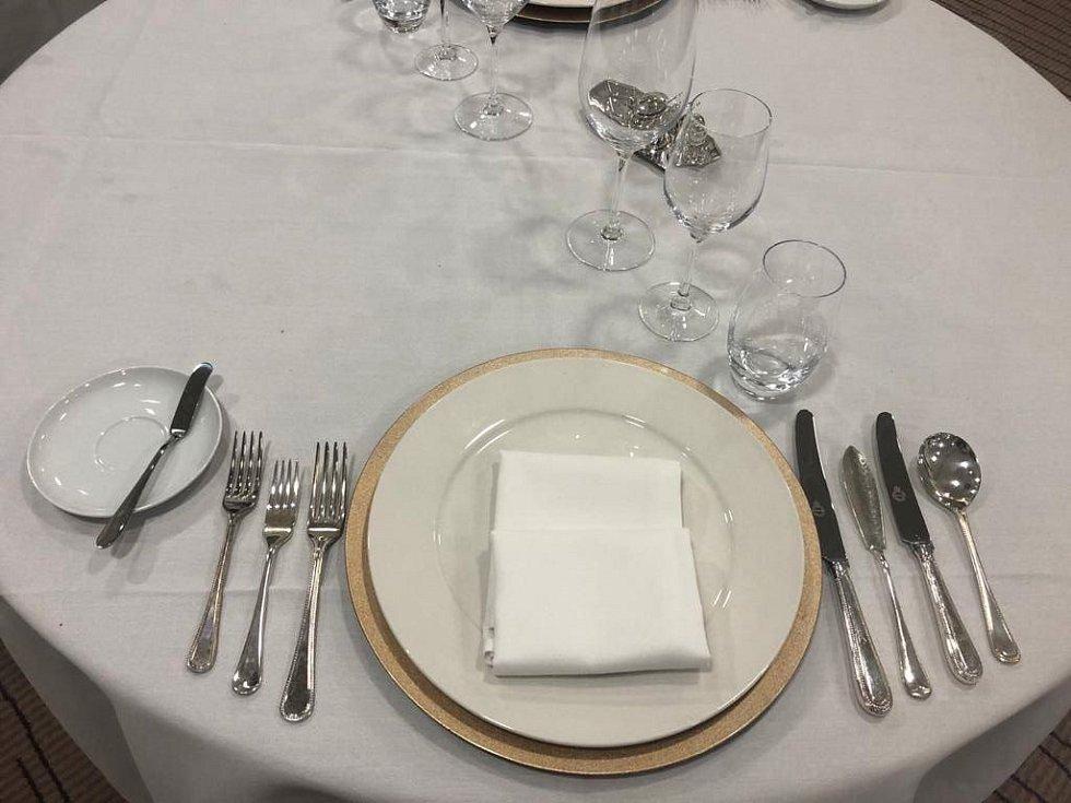 K osvojovaným dovednostem patří i znalost správného uspořádání stolu