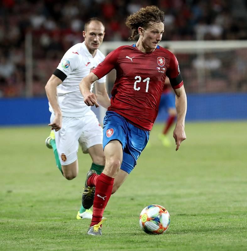 Zápas fotbalové kvalifikace ME 2020 ve fotbale mezi Českem a Bulharskem na Letné. Vpředu Alex Král.