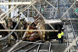 Srážka vlaků v Belgii u městečka Halle v roce 2010