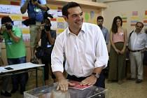 """Tsipras po odevzdání svého hlasu řekl, že doufá, že Řekové svou volbou dají mandát """"silné vládě"""", která vydrží u moci čtyři roky."""