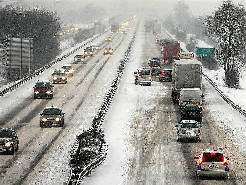 Většinu území České republiky zasáhla v lednu roku 2009 sněhová kalamita. Nejhorší situace byla na Moravě. Hlavní silniční tahy byly na několika místech zcela neprůjezdné. Na Jihlavsku zemřel muž při odklízení sněhu.