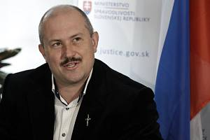 Předseda opoziční krajně pravicové strany Kotlebovci-Lidová strana Naše Slovensko (LSNS) Marian Kotleba