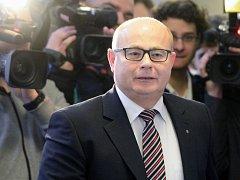 Bývalý šéf rozvědky Ondrej Páleník u soudu.