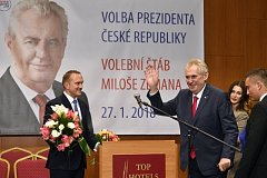 Prezident Miloš Zeman hovoří na tiskové konferenci v TOP Hotelu Praha, poté co byl 27. ledna 2018 oznámen výsledek druhého kola prezidentských voleb. Zeman byl zvolen i na další funkční období.