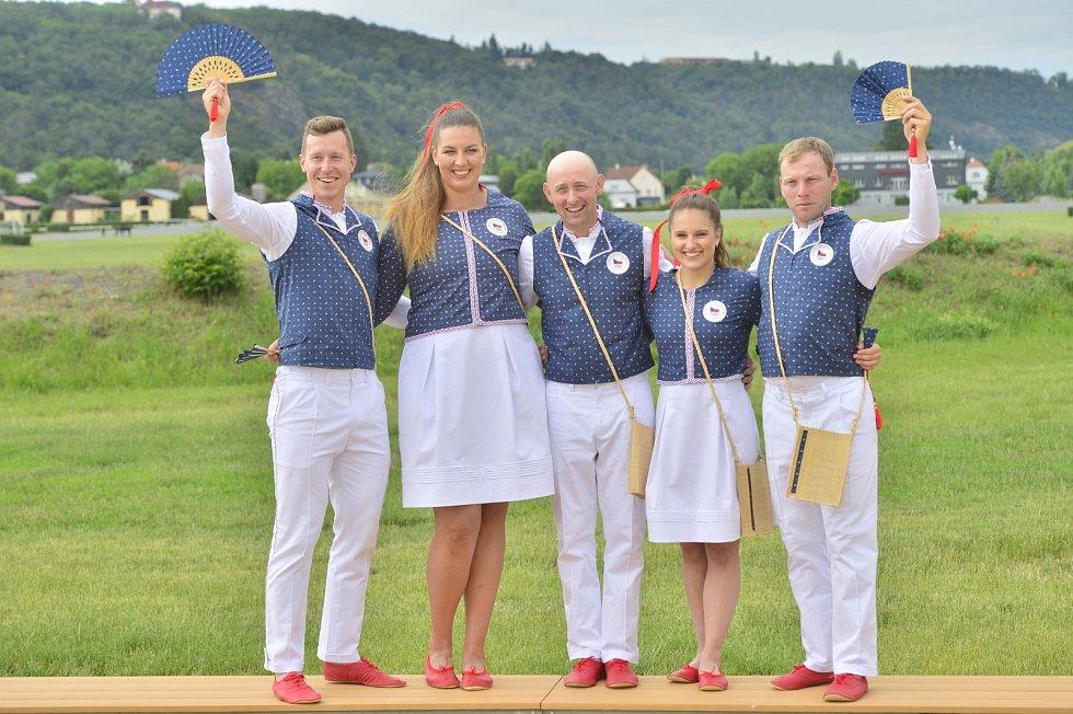 Zleva: Tomáš Bábek, Kateřina Šafránková, Miroslav Trunda, Aneta Holasová a Miloslav Příhoda
