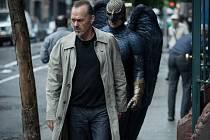 V kinech září Birdman s výtečným Michaelem Keatonem, satira o tvůrčím snažení v dnešním světě, přesahující rámec divadelních kulis.