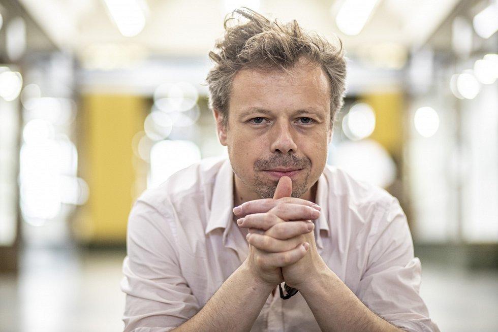 Viktor Dvořák ztvárnil Václava Havla v životopisném snímku Havel režiséra Slávka Horáka.