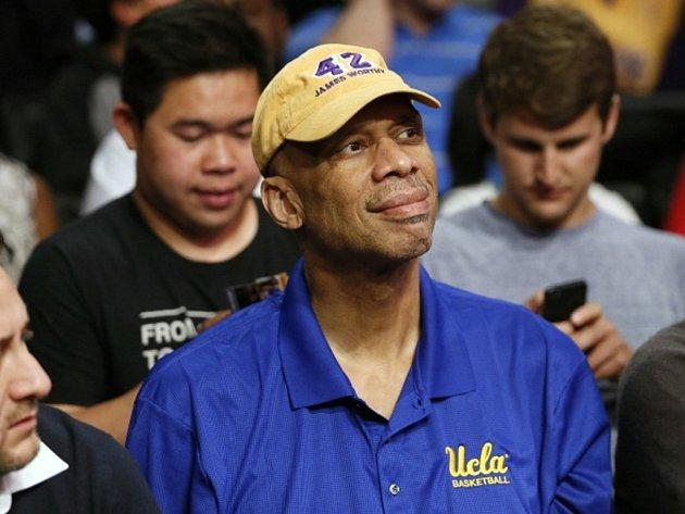 Legendární basketbalisty NBA Kareem Abdul-Jabbar se podrobil operaci srdce.