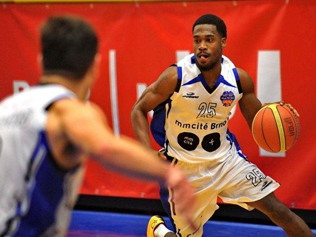 Basketbalista Brna Deremy Terrell Geiger.