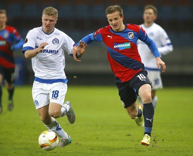 Dinamo Minsk - Viktoria Plzeň. Jan Kopic a Nikita Korzun.