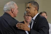 Obama v Coloradu uctil památku obětí páteční střelby