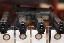 Zbraně, pistole - ilustrační foto