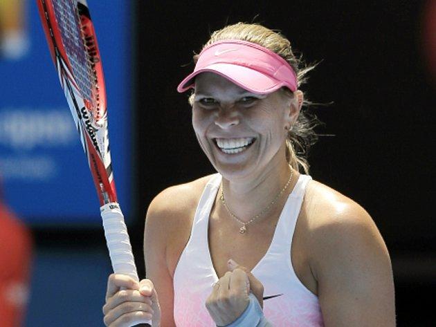Lucie Hradecká se raduje z výhry.