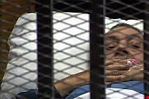 Bývalý egyptský prezident Mubarak u soudu