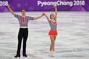 Anna Dušková a Michal Bidař během volné jízdy na olympijských hrách v Pchjongčchangu.