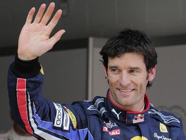Mark Webber ze stáje Red Bull se raduje z dalšího pole position.