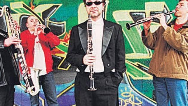 Clarinet Factory. Soubor je znám nejen na poli klasické hudby, ale věnuje se také spolupráci s osobnostmi napříč žánry.