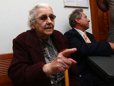 Bývalá dělnická prokurátorka Ludmila Brožová Polednová, která byla na podzim odsouzena k šestiletému trestu odnětí svobody za podíl na justiční vraždě Milady Horákové a dalších tří mužů v roce 1950.